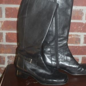 RELATIVITY BLACK LEATHER KNEE BOOTS  BUCKLE 7 M